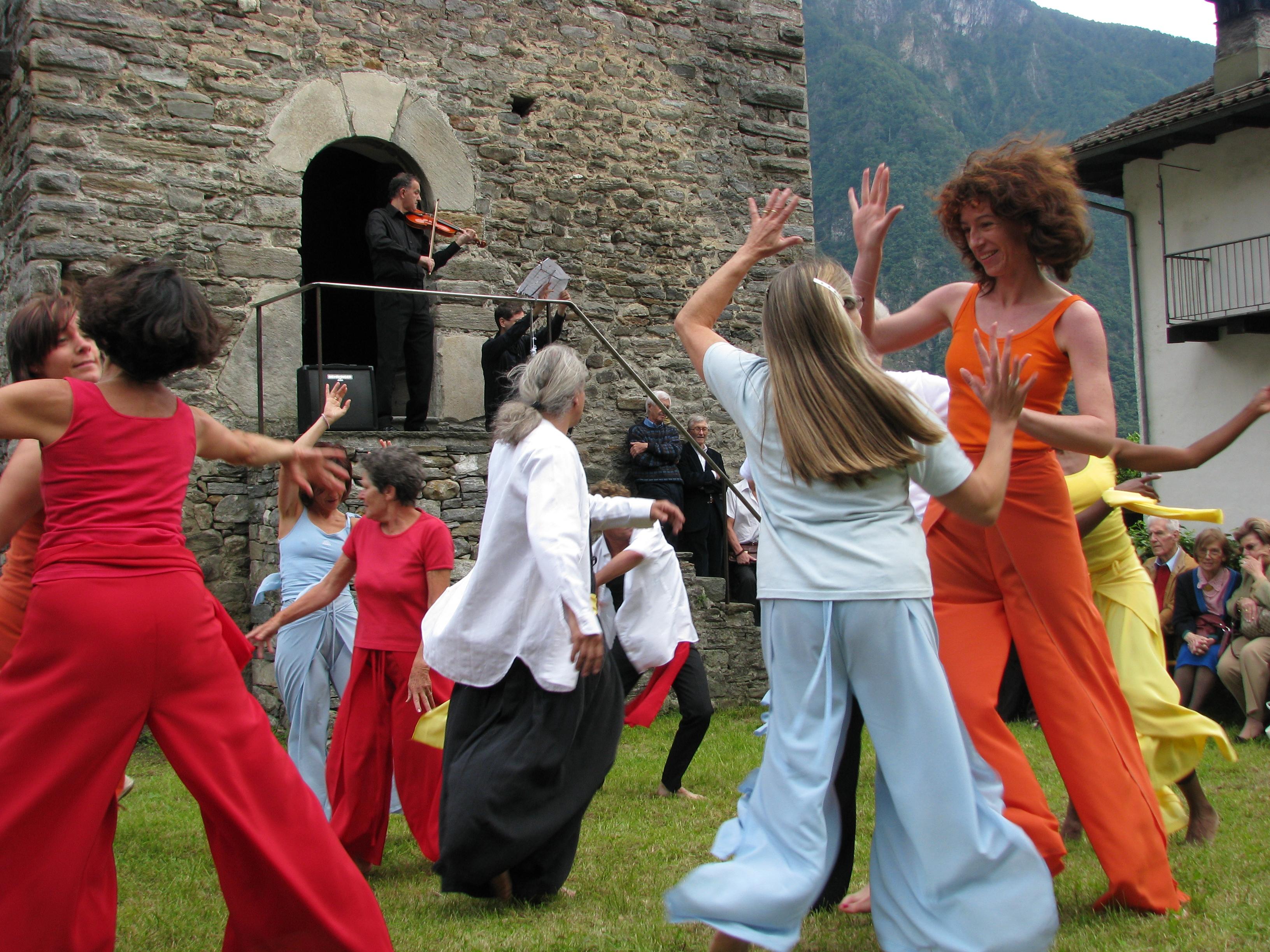Danza Spontanea E Creativa