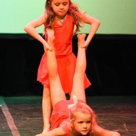 Sweet-girls-e-candys-danzando-il-natale-2014-12