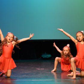 Sweet-girls-e-candys-danzando-il-natale-2014-18