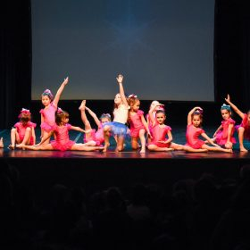 Sweet-girls-e-candys-danzando-il-natale-2014-2