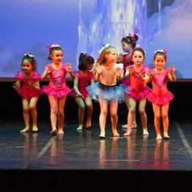 Sweet-girls-e-candys-danzando-il-natale-2014-3