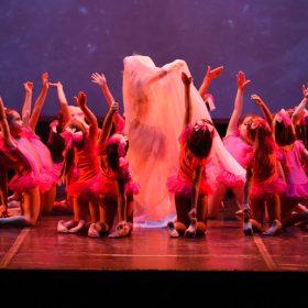 Sweet-girls-e-candys-danzando-il-natale-2014-4